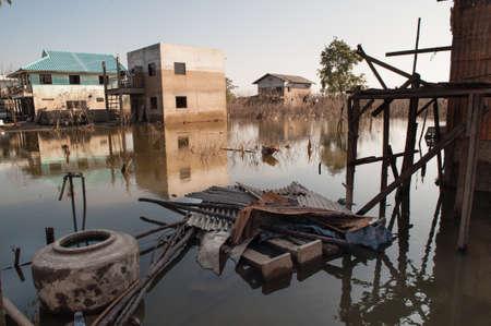 Maisons dans le déluge