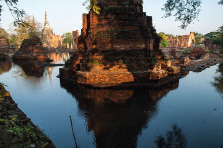 thailand flood: Flood at ancient temple in Ayuttaya historical park, Middle of Thailand.