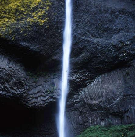 Water fall oregon photo