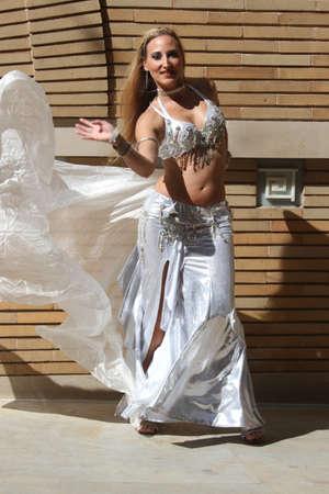 Danser buitenshuis Stockfoto
