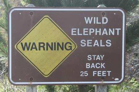 nuevo: Warning signs for Elephant Seals at Ano Nuevo Stock Photo