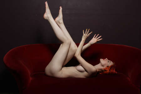 red head: Photoshoot of a nude red head