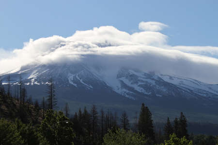 cloud capped: View of mount shastha; california