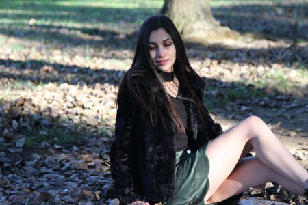 公園で中東の少女