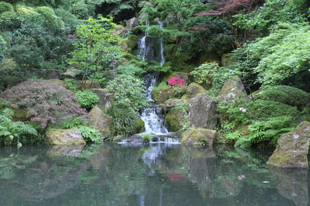 oregon cascades: View of Japanese gardens in Portland