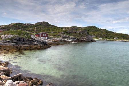 Inseln von Kvaloya und Senja, Norwegen, Berge, Seen, Fjorde Standard-Bild - 82227594