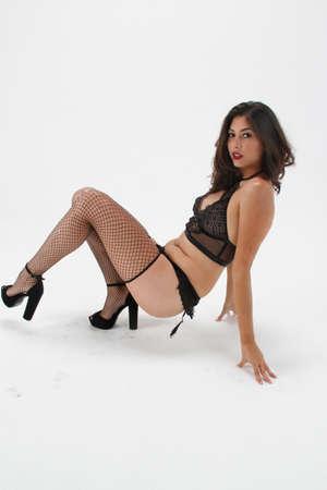 Fotoshoot van een Mexicaans model in de studio