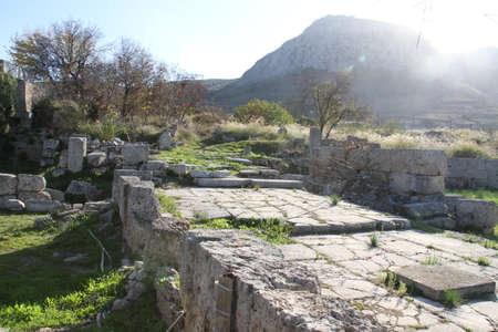 Cornithos의 유적, Peloponesse, 그리스에서 에디토리얼