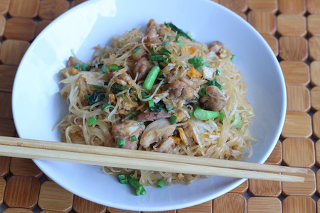 foodstuff: Fried noodles taste