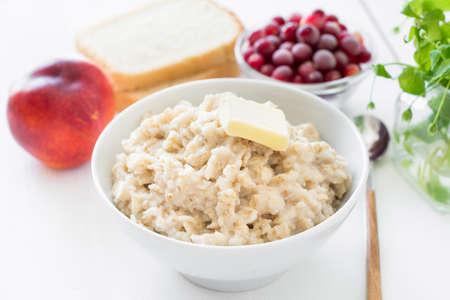 breakfast food: Healthy breakfast food: oatmeal fruits and berries