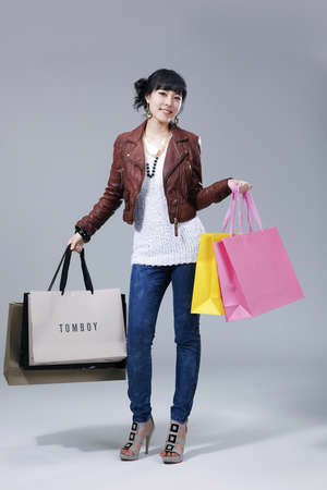 telegraphic communication: Womens lifestyle during the winter shopping season  LANG_EVOIMAGES
