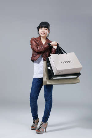 showgoon: Womens lifestyle during the winter shopping season  LANG_EVOIMAGES