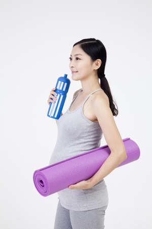 pregnant woman Stock Photo - 16735316