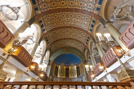 chóralne: MOSKWA - 21 września Choral Synagogue wnętrze na 22 września 2012 Ukończona w 1906 roku, synagoga chóralna jest główną synagogą w Rosji i byłym ZSRR Publikacyjne
