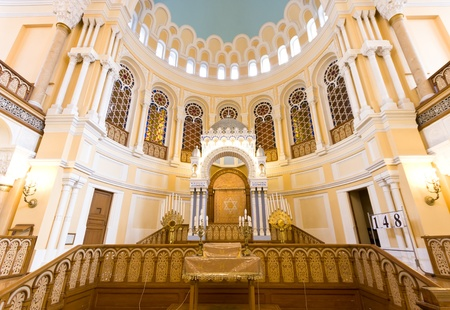 choral: ST  PETERSBURG, RUSSIA - SEPTEMBER 14  The Choral Synagogue interior on September 14, 2012 in St  Petersburg, Russia  Completed in 1893, The Choral synagogue is the main synagogue in St  Petersburg