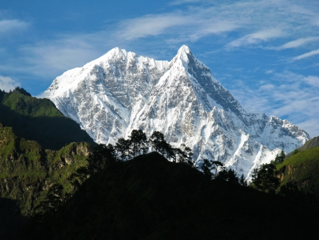 Snowy maountain in the Annapurna range - Nepal 版權商用圖片 - 18180234