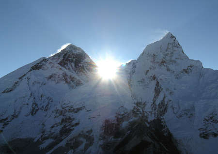 ove: Sunrise ove mount Everest in the Nepal Himalaya