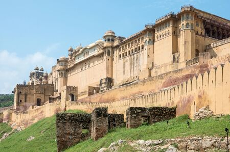 mughal empire: general view of spetacular Amber fort at mid day, Rajasthan - India