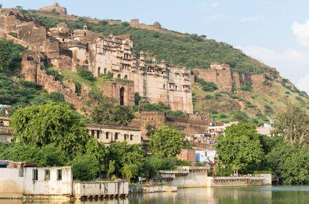 sagar: view of the Bundis palace from nawal sagar lake, Rajasthan, India
