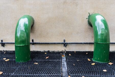 sump: pompe per l'acqua e tubi