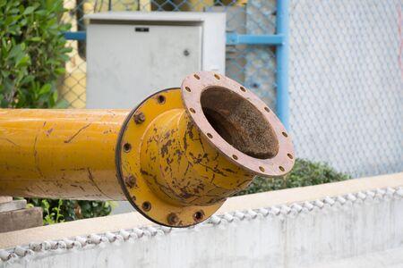 水ポンプと配管