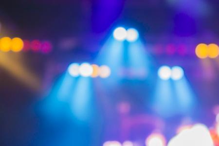 sfondo sfocato di luce di notte bokeh, sfondo trama astratta concerto luce di fondo illuminazione, fase offuscata luci di un concerto rock, Palcoscenico faretti, colore d'epoca