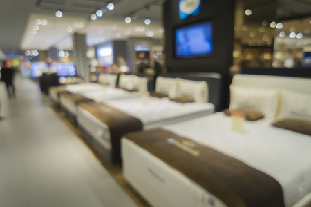 Resumen borrosa de fondo de tienda de decoración del hogar de muebles, una tienda con muebles antiguos de colores Foto de archivo - 51987504