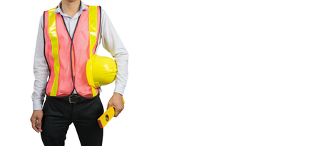 Concepto de construcción de ingeniería de ingeniería, ingeniero que sostiene la mano un casco amarillo y equipos de medida de seguridad, arquitectos supervisores en el sitio de trabajo sobre fondo blanco, para el sitio web de banner Foto de archivo - 70838008
