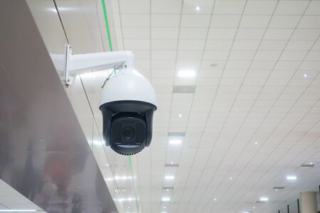 Security CCTV camera or surveillance system in office building shopping mall ,Closed-circuit television,use video transmit a signal to a specific place Foto de archivo