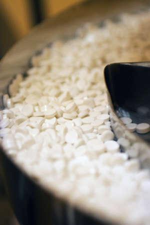 close-up de las tabletas en una industria farmacéutica