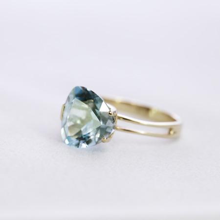 topaz: Ring with topaz