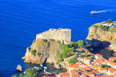 antics: Fort Lovrijenac in Dubrovnik, Croatia