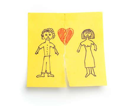 pareja discutiendo: Concepto esbozado 'divorcio' en el papel nota adhesiva