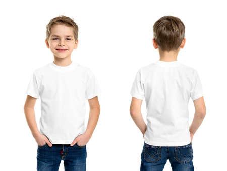 ni�o modelo: Camiseta blanca de un hombre joven aislado, delante y detr�s