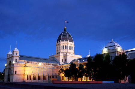Night shot of Royal Exhibition Building in Carlton Gardens (Melbourne)