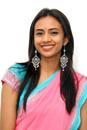 aretes: Ni�a India en vestimenta tradicional.