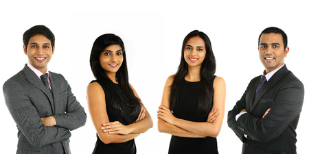 gente exitosa: Empresarios indios asi�ticos y empresaria en el grupo aislado en blanco. Concepto de trabajo en equipo. Foto de archivo