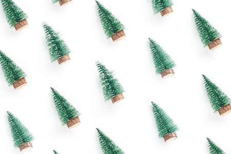 minimal composition pattern background of green christmas tree isolated on white background Stockfoto