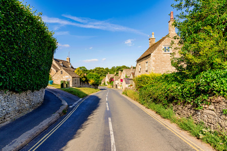 cotswold: Countryside road in the town of Bibury