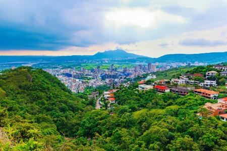 battleship: Scenic mountain view of Taipei city