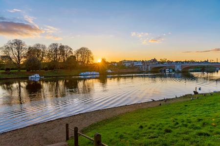 Toneel de riviermening van Richmond Upon Thames in Londen