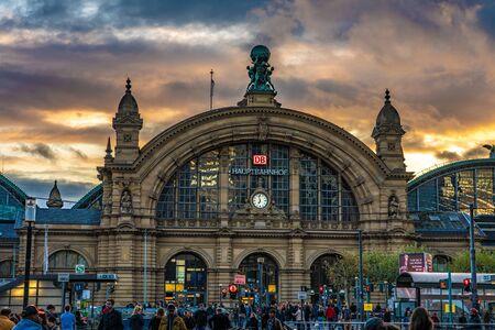 FRANKFURT, GERMANY - SEPTEMBER 25: This is the exterior of Frankfurt Hauptbahnhof main station during sunset on September 25, 2019 in Frankfurt 에디토리얼