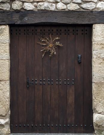 alava: Typical wooden door in the medieval village of Urizaharra - Peacerrada