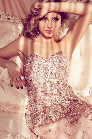 junge nackte mädchen: Princess in Luxus