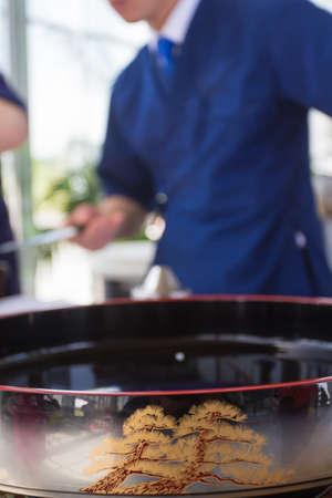 aliments: S�rie Japon. Sushi, rouleaux, Kimono, la nourriture japonaise, couteau japonais Banque d'images