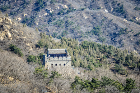 A fragment of the Great Chinese Wall in the mountains near Bejing. Stock fotó - 103276290