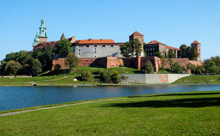 Wawel Royal Castle en Vistula River