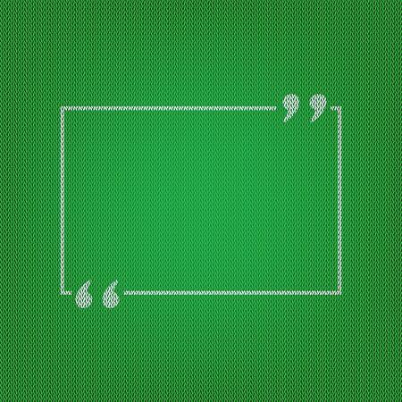 cotizacion: comilla texto. icono blanco en el tejido de punto verde o textura de lana tela.