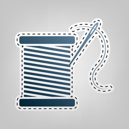 Draad met naald teken illustratie. Vector. Blauw pictogram met omtrek voor uitsnijden op grijze achtergrond.