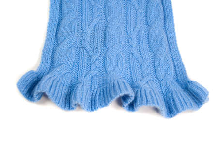 cable knit pattern with a ruffled edge